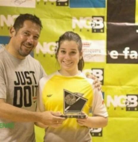 Professor Marcelo Goes com a sua filha Maria que ganhou a final da 1ª classe feminina