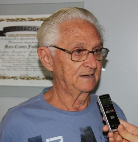Professor Carlos Henrique Goebel que assumiu a direção do Colégio Rui Barbosa, em 12 de julho de 1971.  Imagem: Acervo Pasquim do Oeste - FOTO 4 -