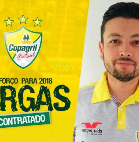 Lucas Vargas contratado como novo fisioterapeuta da Copagril Futsal para a temporada 2018.  Imagem: Acervo Imprensa Copagril - FOTO 7 -