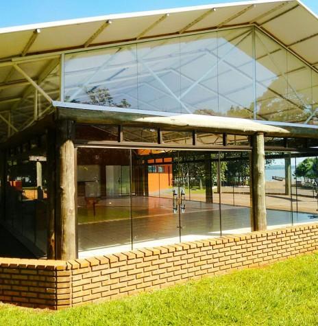 Restaurante Panorâmico, de propriedade da Prefeitura Municipal de Marechal Cândido Rondon, no Parque de Lazer em Porto Mendes.  Imagem: Imprensa PM-MCR Crédito: Ademir Herrmann - FOTO 10 -