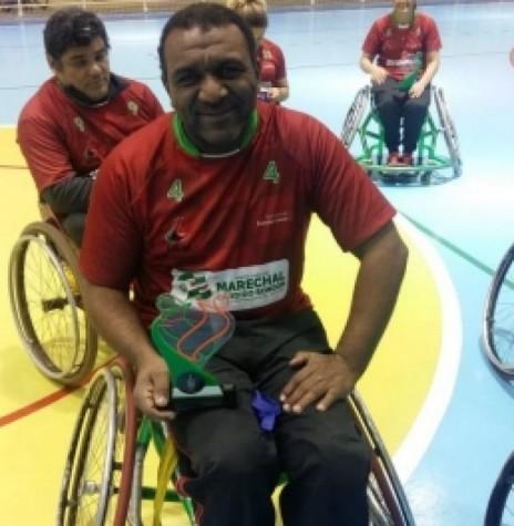 Claudinei Aparecido Dias que foi o artilheiro do Campeonato Paranaense de Handebol em Cadeiras de Rodas,  em julho de 2018.  Imagem: Acervo Imprensa PM - MCR - FOTO 12 -