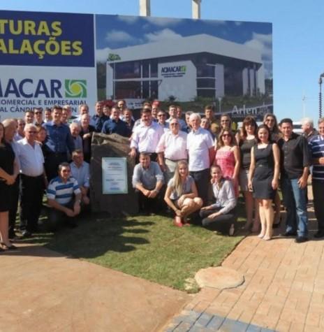 Solenidade de inicio das obras da construção da nova sede da ACIMACAR, com a presença de convidados, associados pioneiros, diretoria e funcionários. Imagem: Acervo Acimacar - FOTO 14 -