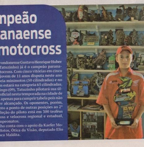 Matéria noticiosa do jornal O Presente  sobre a conquista do campeonato antecipado pelo adolescente rondonense Gustavo Henrique Hartleben. Imagem: O Presente - FOTO 7 -