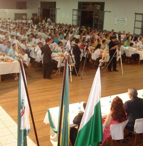 Vista do público presente à Sessão Solene de outorga do título da Cidadã Honorária de Marechal Cândido Rondon a senhora Zilda Arns Neumann - FOTO 7 -