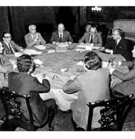 Comissão Mista Brasil-Paraguai discutindo o documento final da