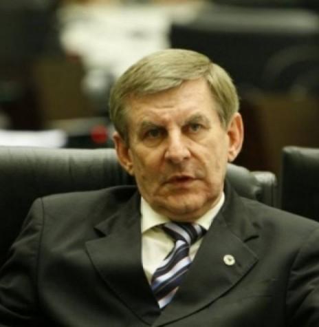 Deputado Estadual Elio Lino Rusch, que assumiu a presidência do Diretório Estadual do DEMOCRATAS/PR, em agosto de 2011. Imagem: Acervo Gazeta do Povo - FOTO 9 –