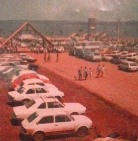 Inauguração do Parque de Lazer Annita Wanderer, na sede distrital rondonense de Porto Mendes, em outubro de 1984. Imagem: Acervo Dorivaldo Kist (Neco) - FOTO 5 -