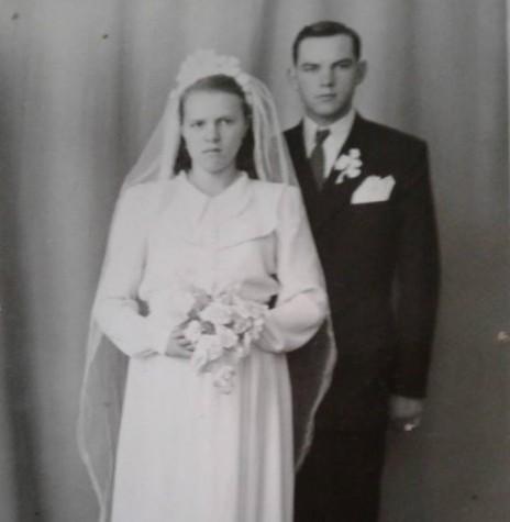 Leonida e Ivo Krummenauer no dia de casamento, na cidade de Marcelino Ramos, RS.  Imagem: Acervo da família  - FOTO 2 -