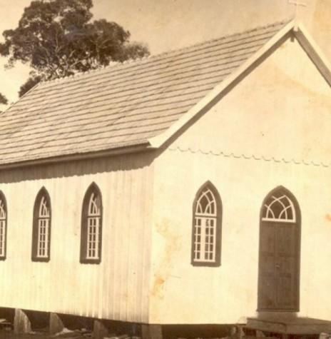 Primeira igreja da Comunidade Luterana Cristo completamente demolida em 07 de abril de 1970. Imagem: Acervo Família Seyboth - FOTO 2 -