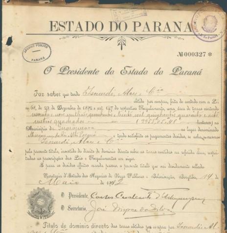 Documento de titulação de área de terras que o Governo do Paraná faz a empresa Isnardi & Alves, de Corumbá, MS.  A área compreende a atual cidade de Guaíra e adjacências.  Imagem: Acervo Arquivo Público do Paraná - FOTO 2 _
