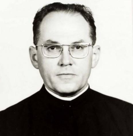 Padre Hans Lamprecht que foi padre -vigário da Matriz Católica Sagrado Coração de Jesus, de 1977 a 1981 Imagem: Acervo Miguel Fernandes Reichert  - FOTO 1 –