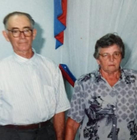 Pioneiro Arnaldo Storck com a esposa Edi, ele falecido em 07 de setembro de 2018.  Imagem: Acervo Alceu Storck - FOTO 4 -