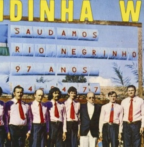 Bandinha Weiss da cidade de Rio Negrinho (SC) que se apresentou em Marechal Cândido Rondon, em meados de janeiro de 1977.  Imagem: Acervo Memória Rondonense - FOTO 7 -