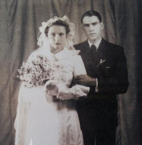 Casal Leonel Sander e Herta Müller no dia de seu casamento, em 30 de maio de 1942.  Imagem: Acervo Remi e Lidia Agnes Glitz - FOTO 3 -