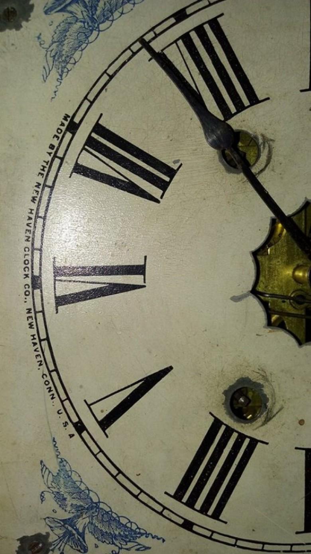 Detalhe do display do relógio secular.  Imagem: Gilson Scherer