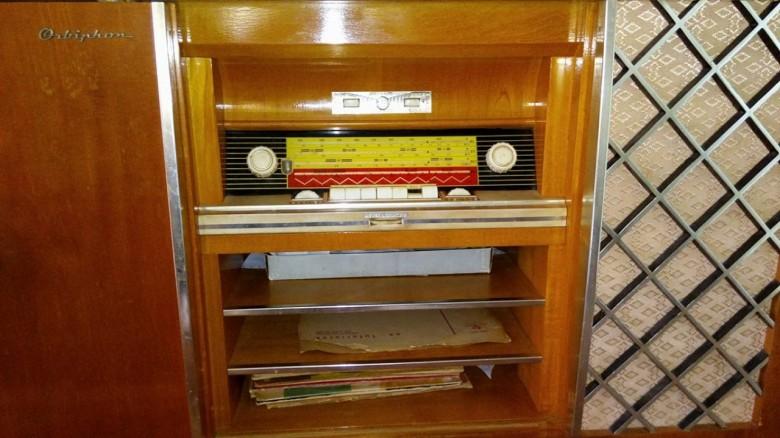 Detalhe do rádio da vitrola.  Imagem; Gilson Scherer