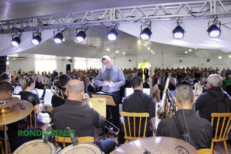Orquestra de Sopros de Marechal Cândido Rondon executando o Hino Nacional.  Imagem: Acervo Memória Rondonense - Crédito: Tioni de Oliveira