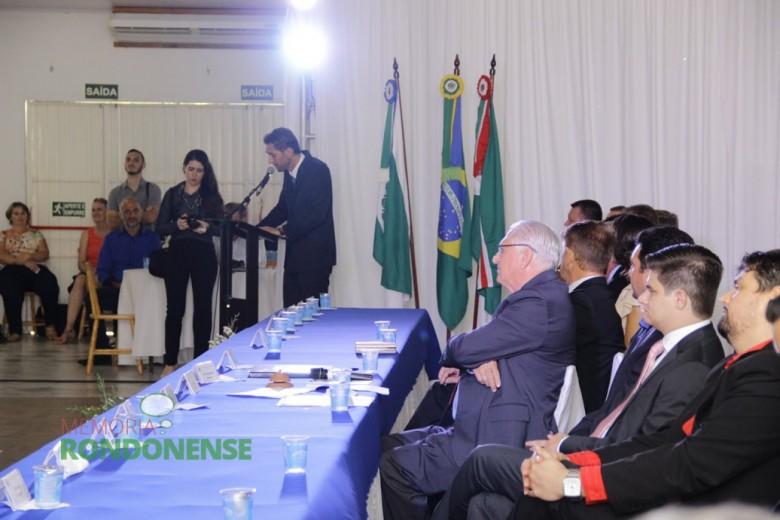 Outro detalhe do discurso de Márcio Andrei Rauber.  Imagem: Acervo Memória Rondonense - Crédito: Tioni de Oliveira