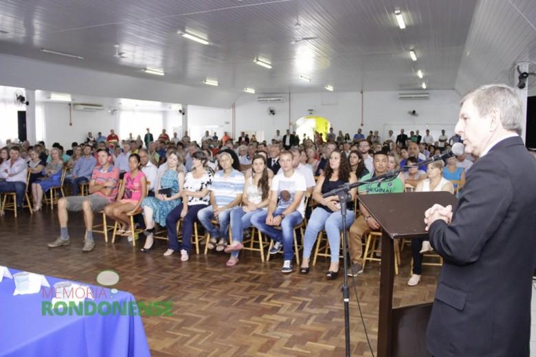 Outro aspecto do público presente a Sessão Solene.  Imagem: Acervo Memória Rondonense - Crédito: Tioni de Oliveira