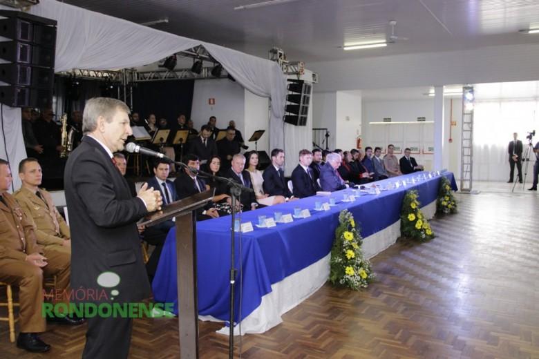 Discurso do deputado estadual Elio Rusch durante a sessão solene de Posse.  Imagem: Acervo Memória Rondonense - Crédito: Tioni de Oliveira