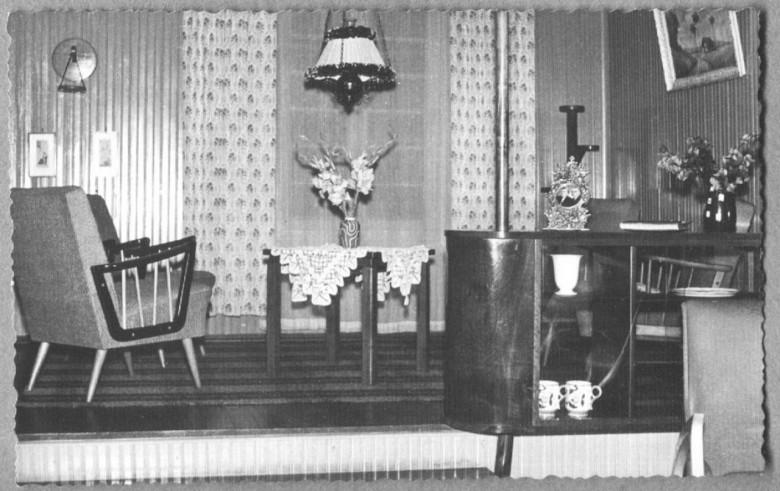 Sala de estar da casa da residência do  Dr. Seyboth, em 1957.