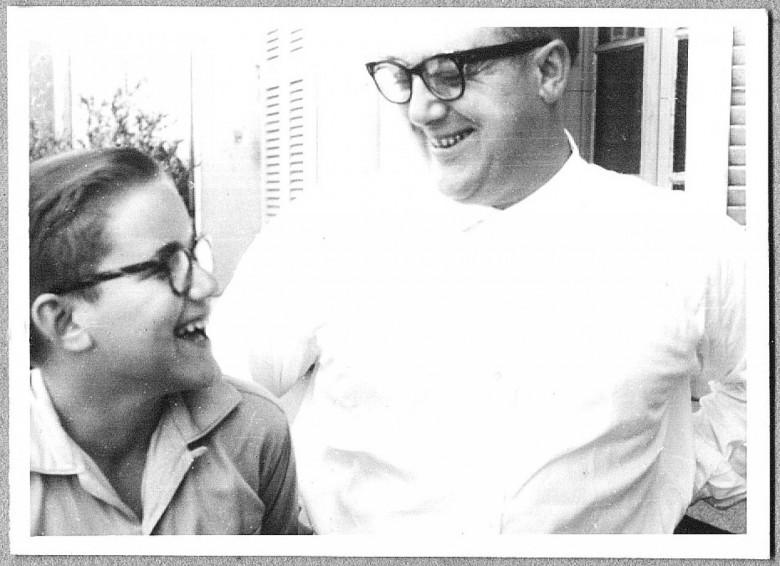 Férias em Porto Alegre. - Dr. Hippi e o pai Dr. Seyboth, em 1958.