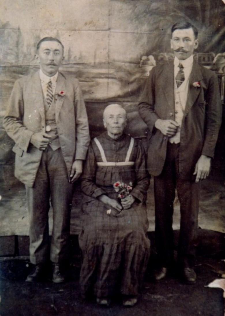 Imigrante boêmia Margareta (nascida Pellner) Dobner, natural da atual localidade Nova ves nad Nisou, na República Checa, com os filhos   . Margareta era casada com Johann Dobner e   imigraram para o Brasil em 18 de julho de 1879, com embarque no Porto de Hamburgo, Alemanha. A chegada ao Brasil foi em 18 de agosto de 1879. O casal imigrante tem ampla descendência no Oeste do Paraná.