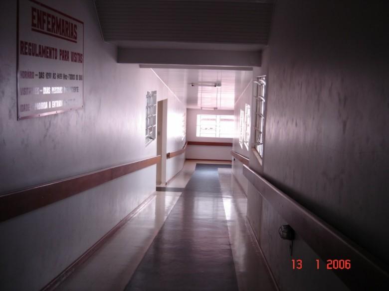 Rampa para descida para enfermarias. 2006.