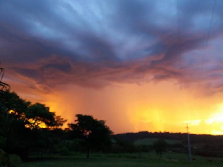 Imagem: Lélia Hoffmann - Foto feita a partir da Linha Guarani.