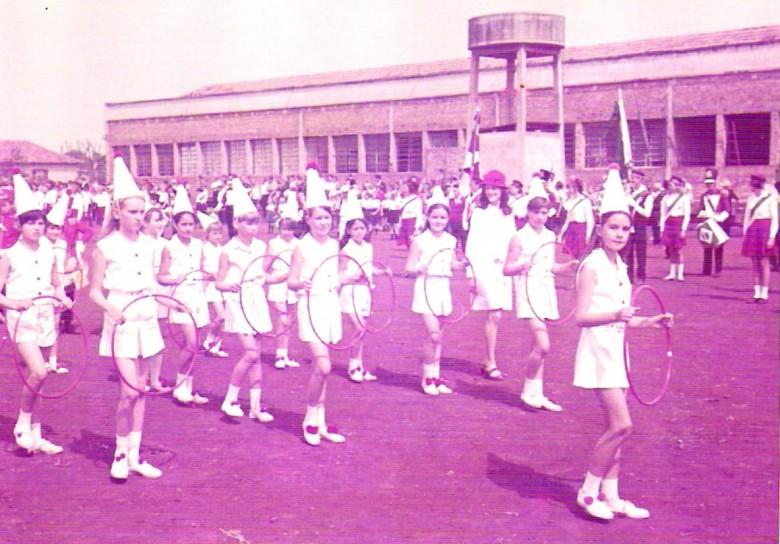 Ingrun Seyboth Lirio, no desfile de 7 de Setembro, 1969.