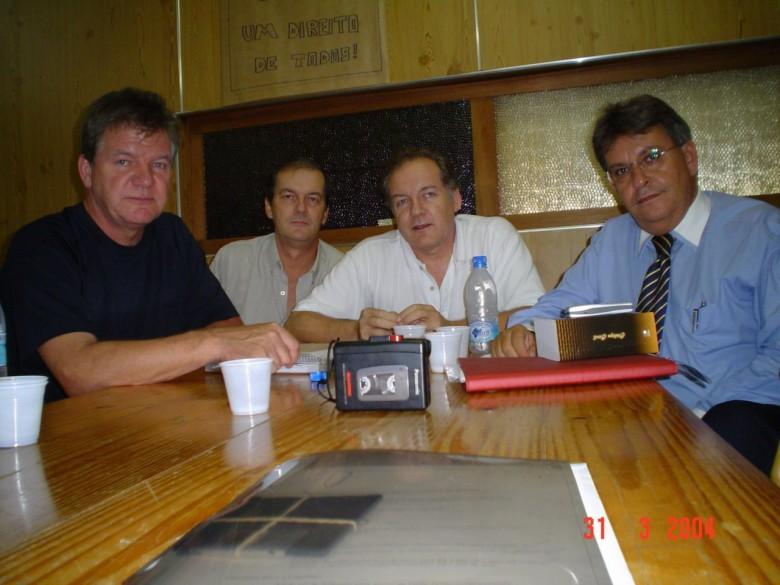 Dieter, Matias, Dr.  Hippi e Dr. advogado Oscar Nasighil. 2003.
