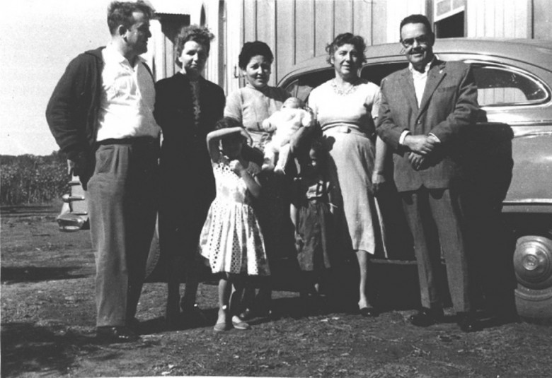 Dr. Seyboth, D. Ingrun, D. Maximilia Branco da Rosa, Laureana Mohr (avó de Vane Johims) e  Del. Ary Branco da Rosa, em 1960.