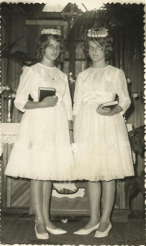 Confirmação das adolescentes pioneiras Lori Koch e Clarice von Borstel, na Igreja Evangélica Martin Luther.