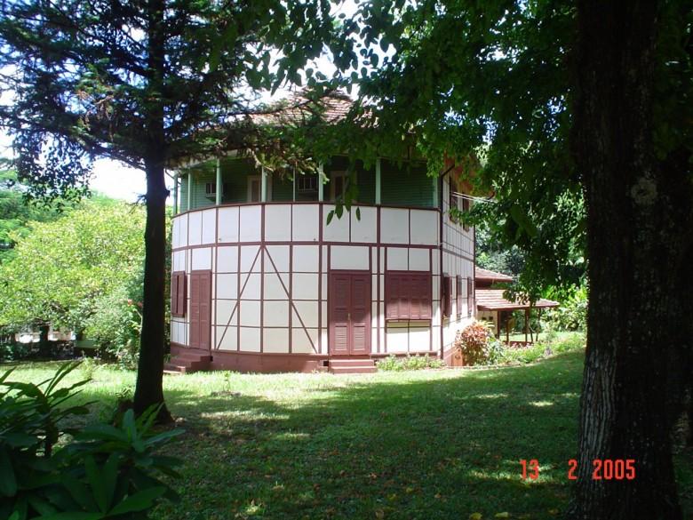 Casa da Família Seyboth, com destaque para arquitetura em enxaimel - vista externa.