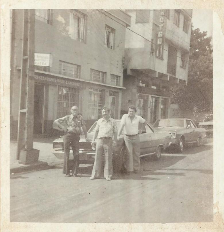 Pioneiros Arlindo Dickel (primeiro taxista de Marechal Cândido Rondon), cartorário Levi Martins Gomes e Arno Ritter.