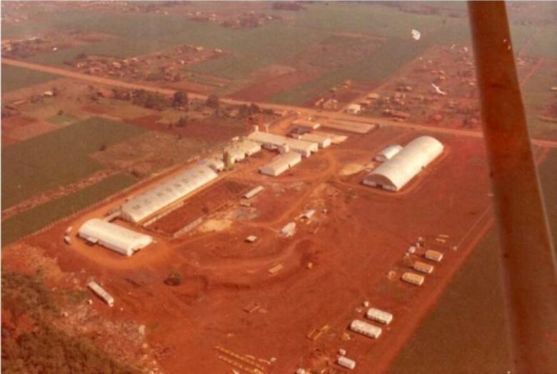 Vista aérea do complexo da Copagril na sede municipal de Marechal Cândido Rondon, na década de 1970.