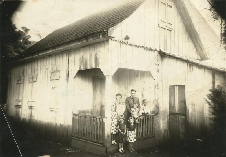 Helmuth Koch e esposa Hilda Zastrow, em Piratuba, SC, antes de se mudarem para a então Vila de General Rondon.  Imagem: Acervo Clélia Regina Ritter