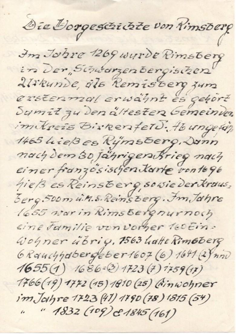Página inicial   do histórico manuscrito, em alemão,  assinalando as origens da localidade de Rimsberg, Alemanha,  e o número de seus moradores em determinadas épocas.  Dessa pequena comunidade, emigraram famílias para o Brasil.