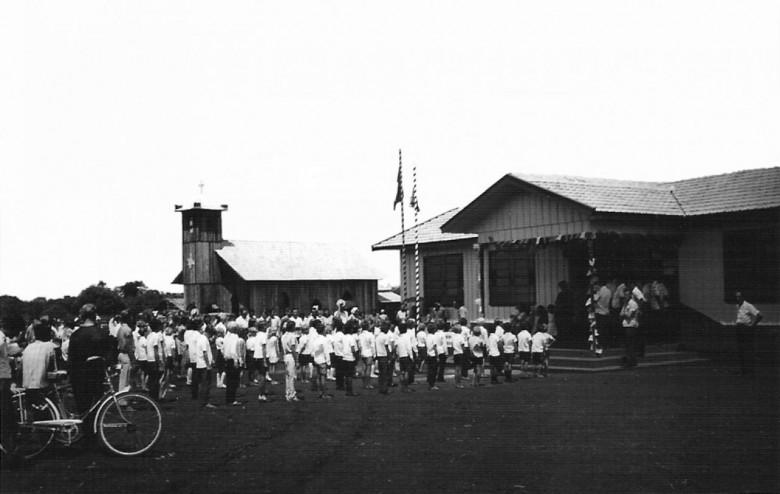 Colégio Osvaldo Cruz, distrito de Porto Mendes. 1970.