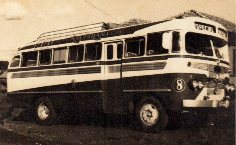 Outro ônibus da Empresa Rio Paraná.  No final da década de 1960, a empresa foi vendida para a Expresso Princesa dos Campos, de propriedade dos Irmãos Gulin, de Ponta Grossa.