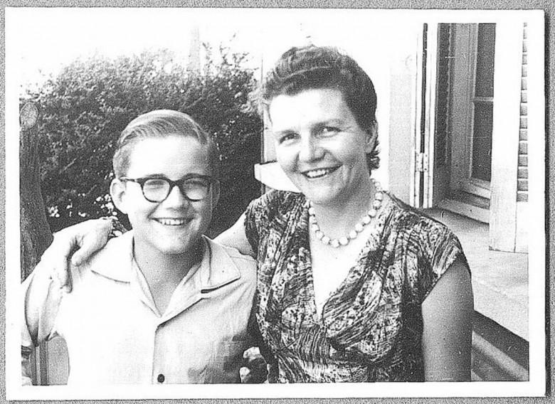 Férias em Porto Alegre - Dr. Hippi (Dietrich Rupprecht) e a mãe D. Ingrun, em  1958.