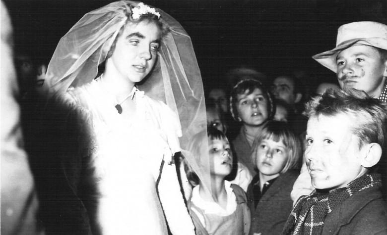 Noiva de festa junina, de 1964.