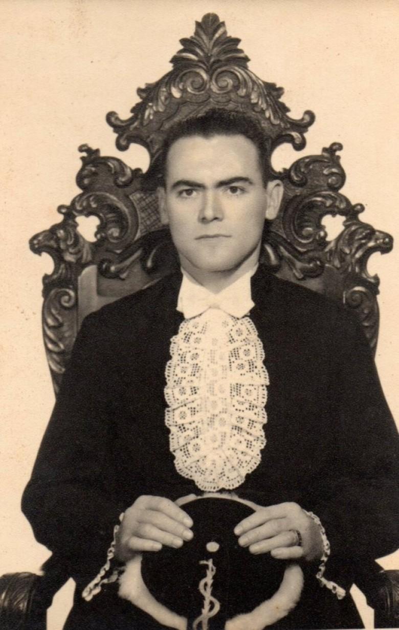 Acido Witeck, filho do casal pioneiro rondonense Leopoldo e Catarina (nascida Michaud) Witeck,  no dia de sua graduação em Medicina.  Vinculado ao Exército Brasileiro clinicou a maior parte de sua vida na cidade de Cachoeira do Sul (RS), onde também foi prefeito e foi fundador do Parque Witeck no município de Novo Cabrais (RS).