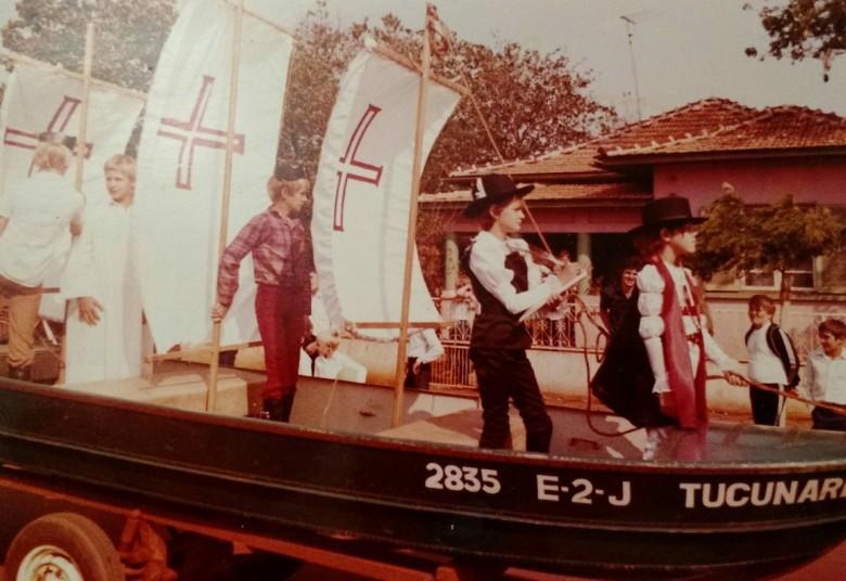 Desfile de Sete de Setembro na Avenida Maripa, na década de 1980.