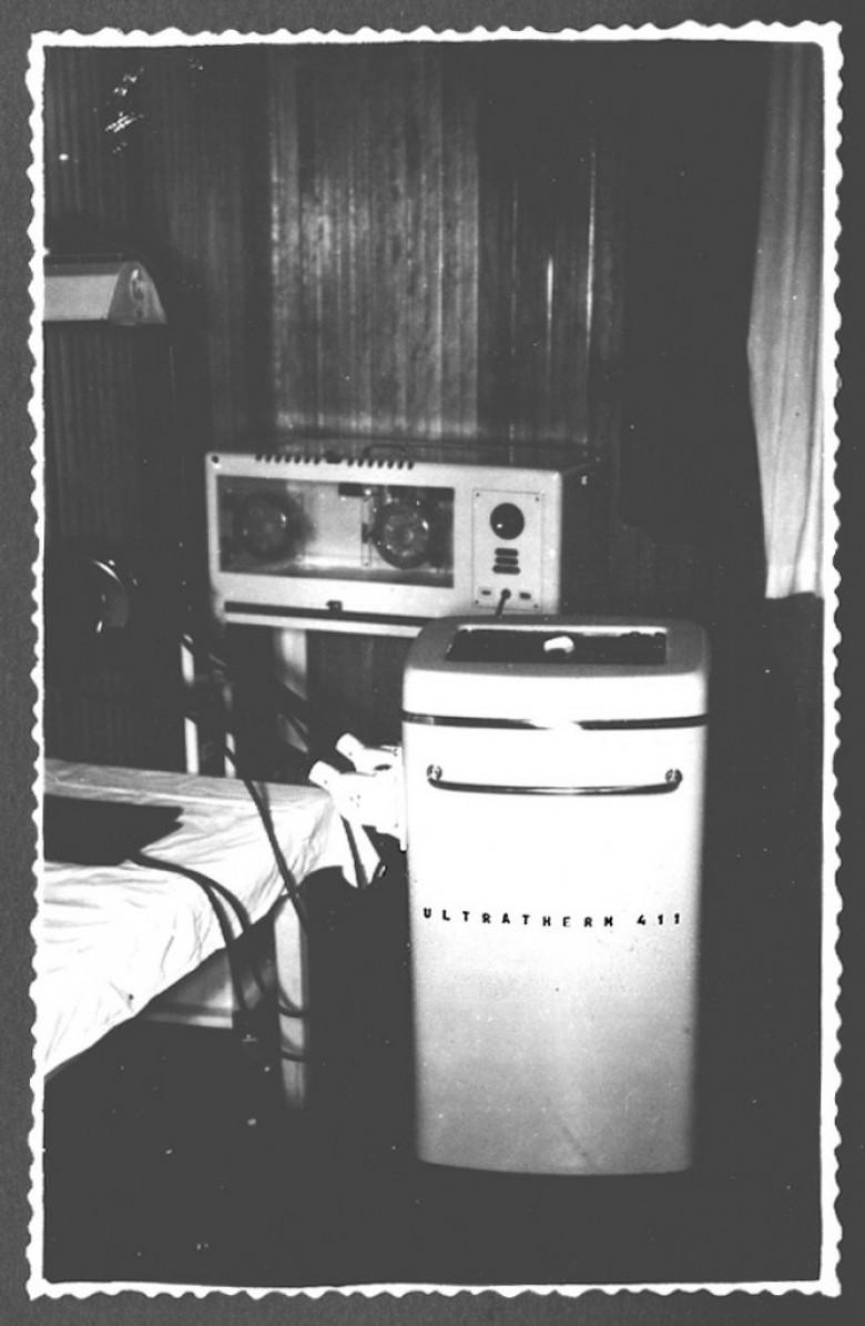 Ultrassom de ondas curtas para curar luxações, de propriedade do Hospital e Maternidade Filadélfia, em 1961.