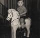 Criança em pose especial no Stúdio Fotográfico Kaefer.