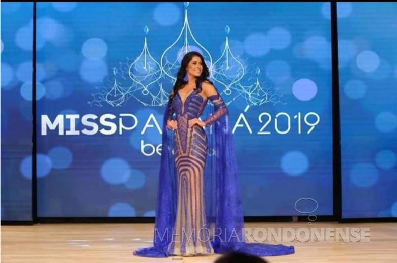 Camila Umeres de Oliveira em traje de gala no concurso Miss Paraná 2019.  Imagem: Acervo Adrieni Niederle - FOTO 6 -
