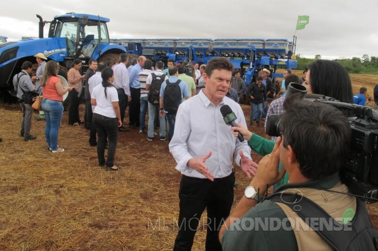 Almir Dalpasquale, grande produtor rural no Mato Grosso do Sul e presidente da Aprosoja Brasil na abertura nacional de pantio de soja 2014/2015. Imagem: Acervo Famasul - FOTO 5 -