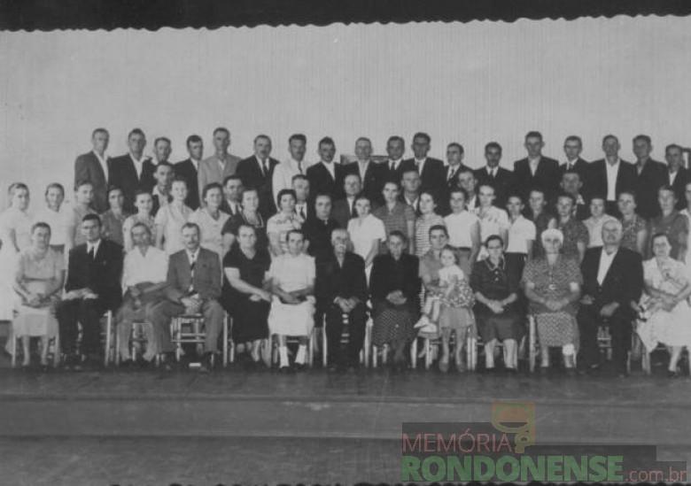 Membros fundadores da 1ª Igreja Batista de Marechal Cândido Rondon, reunidos em 1958. Imagem: Acervo PIB-Rondon - FOTO 2 -