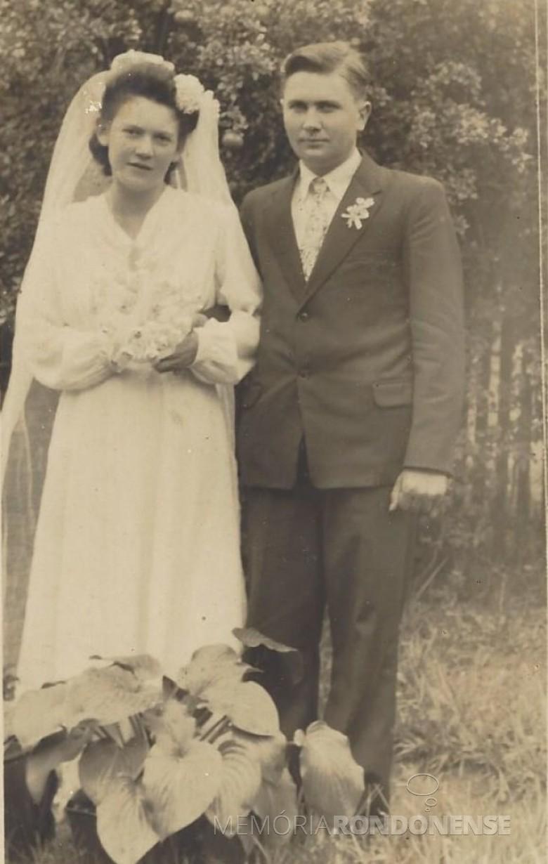Os pioneiros rondonenses Maria Dalita Witeck e Roberto Schütz,  que se casaram em Peritiba, SC.  Imagem: Acervo pessoal - FOTO 1 -